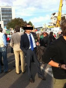 So sehen u.a. Demonstranten auf den Demos aus